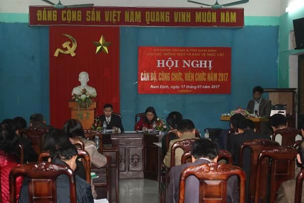 Đ/c Trần Duy Năng trình bày báo cáo tại Hội nghị